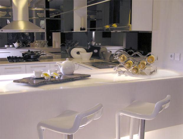 Cocina pequeña bien aprovechada - Universo Muebles