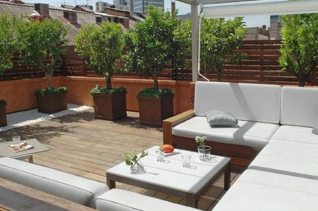 Una terraza interior universo muebles for Casa muebles jardin