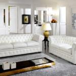 Un sofá blanco, la luz del salón