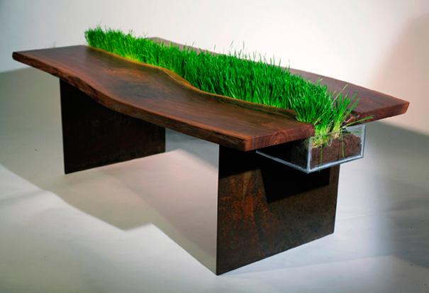 mesa con hierba para el gato